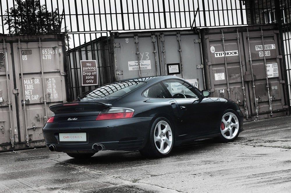 001_CarIconics_Porsche996Turbo2004_D4J_3527