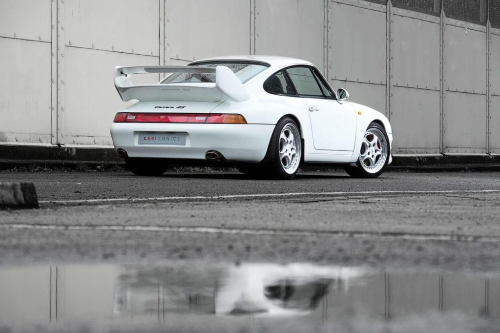 002_CarIconics_Porsche993RSWhite_2018__D4J7668