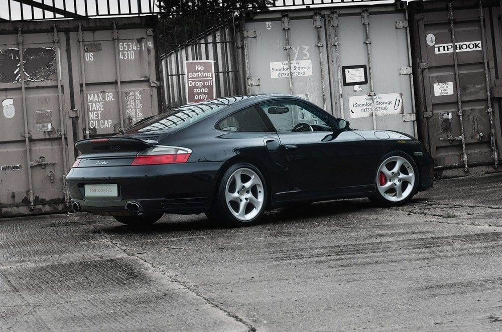 003_CarIconics_Porsche996Turbo2004_D4J_3542