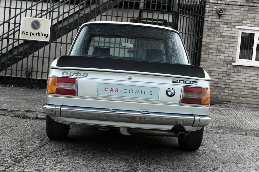 004_BMW2002Turbo_CarIconics_July2019_D4J_4766