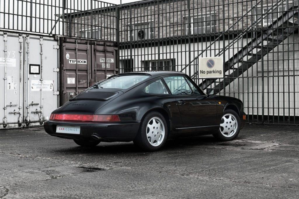 005_CarIconics_Porsche964Black_2018_D4J_9145
