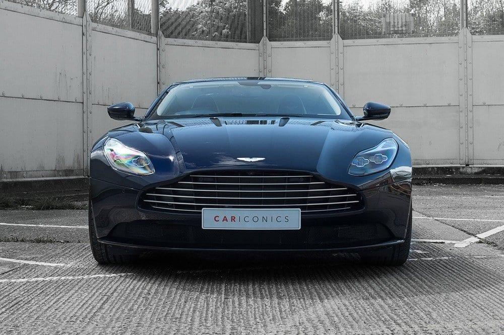 007_AstonMartinV12May2017_CarIconics__D4J9026