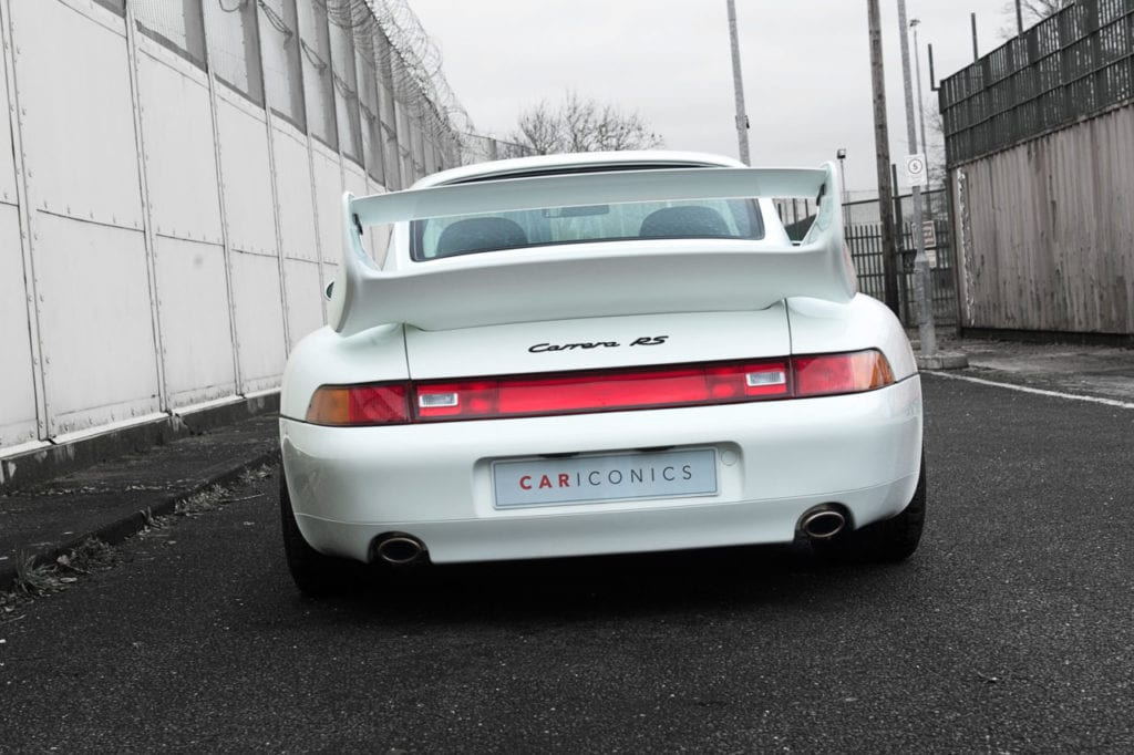 008_CarIconics_Porsche993RSWhite_2018_D4J_9260