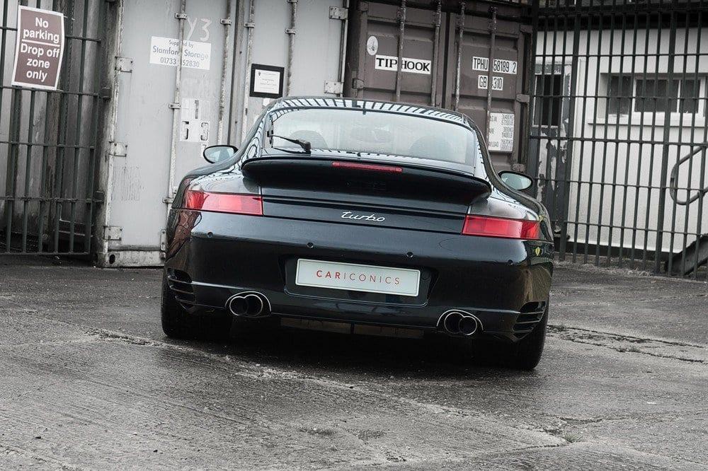 008_CarIconics_Porsche996Turbo2004_D4J_3563