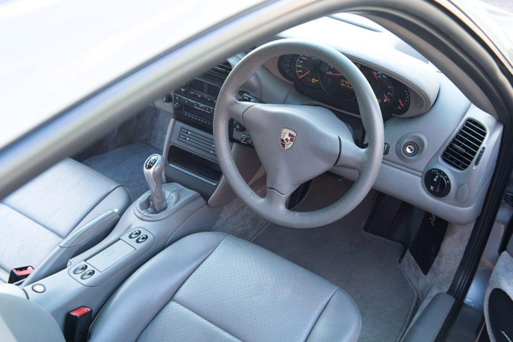 008_Porsche996C4s_CarIconics_Feb2019_D4J_8968