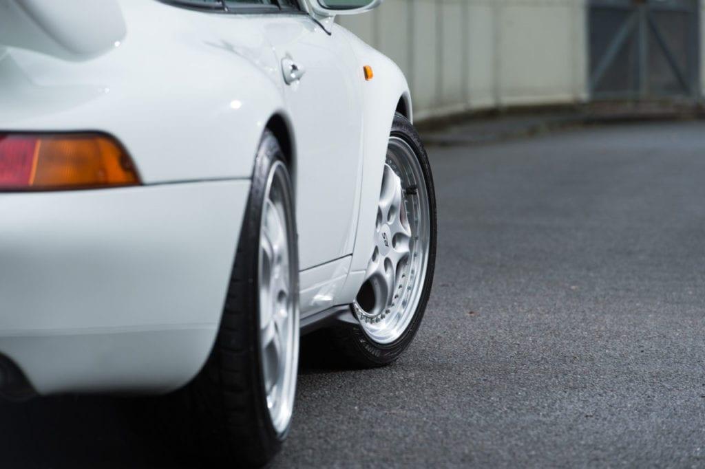 009_CarIconics_Porsche993RSWhite_2018__D4J7670