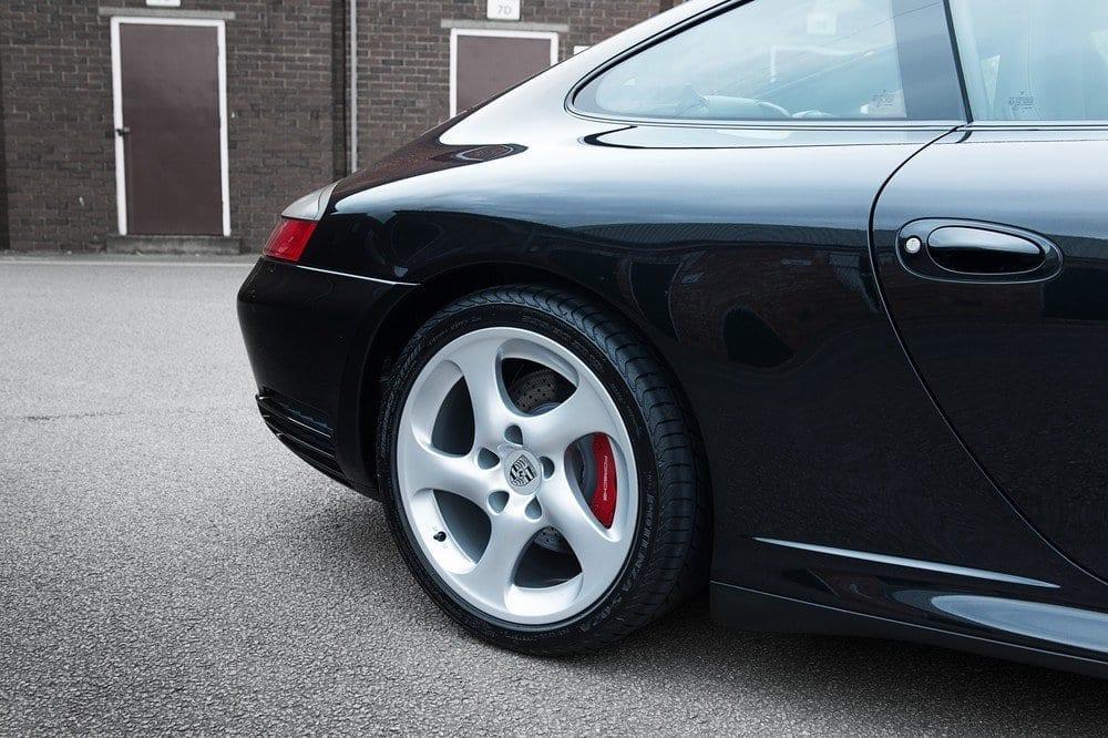 011_Porsche996C4S_CarIconics_D4J_5054