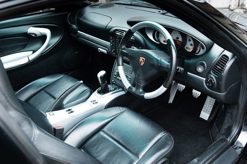 012_CarIconics_Porsche996Turbo2004_D4J_3573