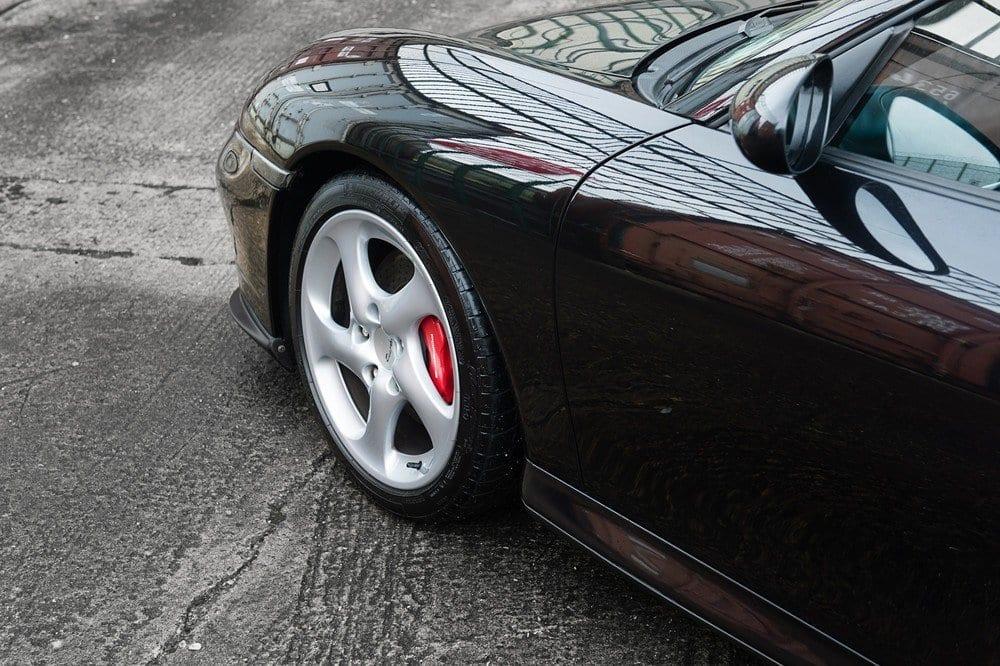 019_CarIconics_Porsche996Turbo2004_D4J_3583