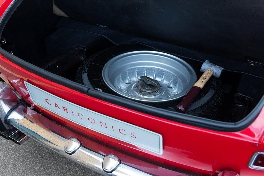 026_CarIconics_Ferrari330_June2016_D4J_9088