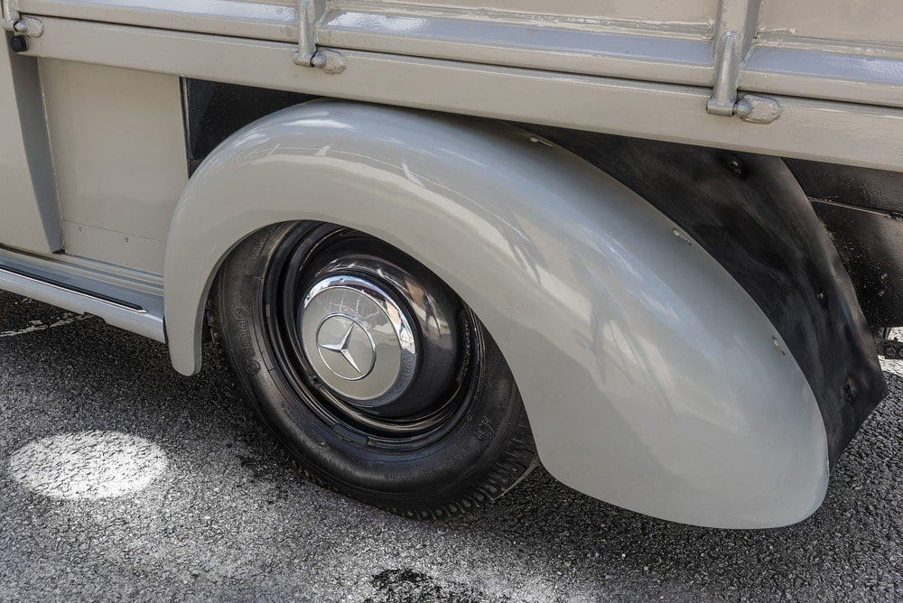 Mercedes-107-SD-Pick-Up-L-02