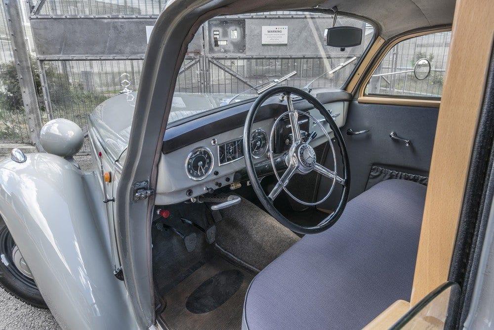 Mercedes-107-SD-Pick-Up-L-04