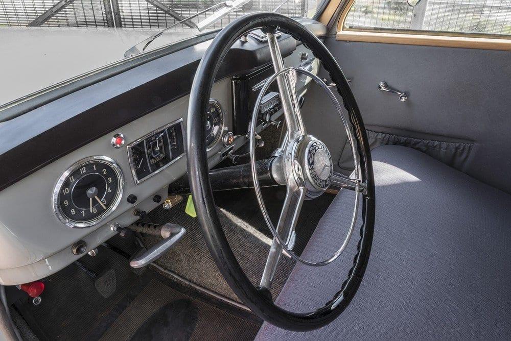 Mercedes-107-SD-Pick-Up-L-05