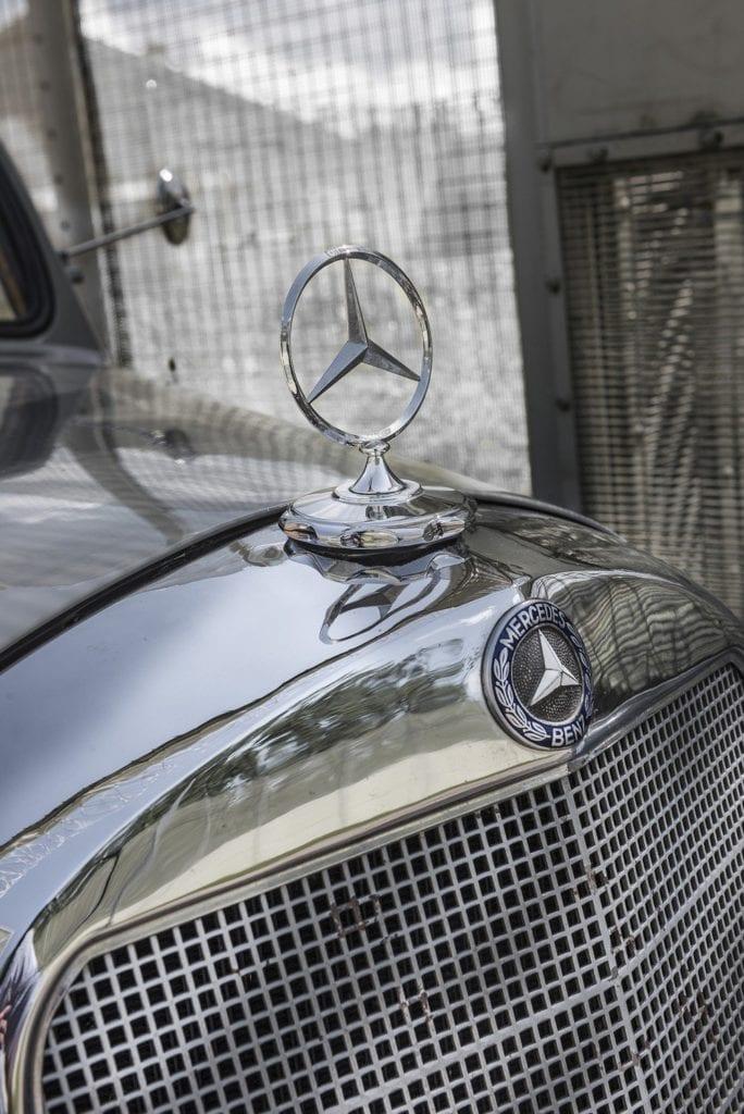 Mercedes-107-SD-Pick-Up-L-09