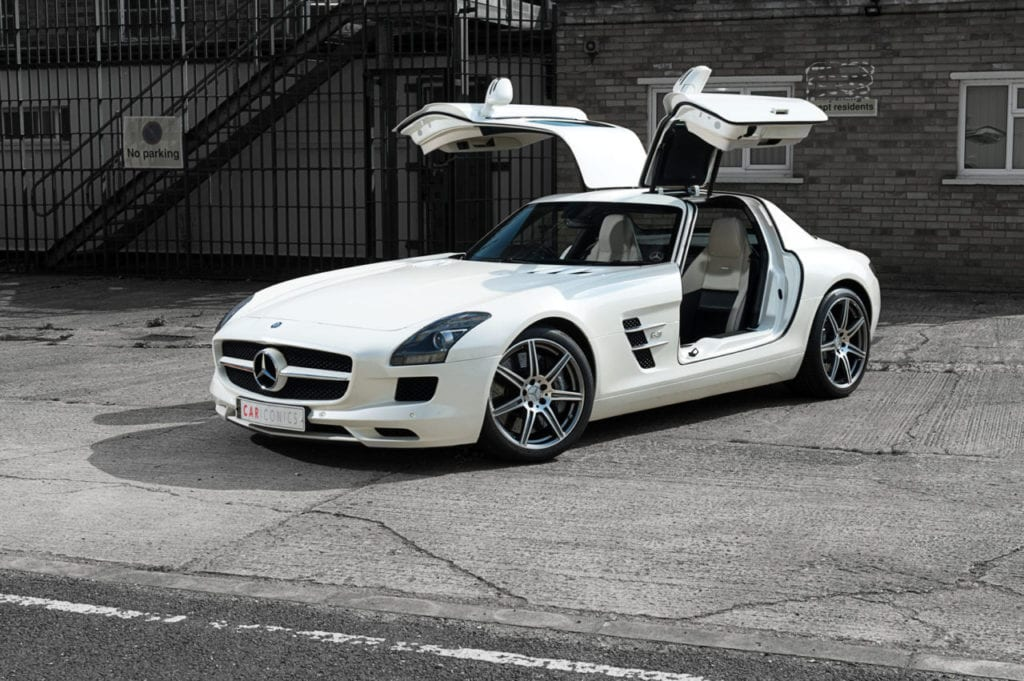 003_MercedesGullWing_CarIconics_July2019__D4J2250-1280x851