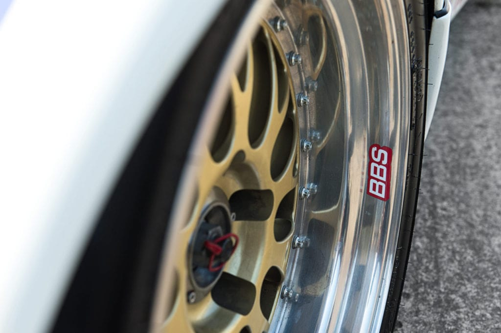 012_Porsche964_RSR_white_CarIconics_July2019__D4J2171-1280x852