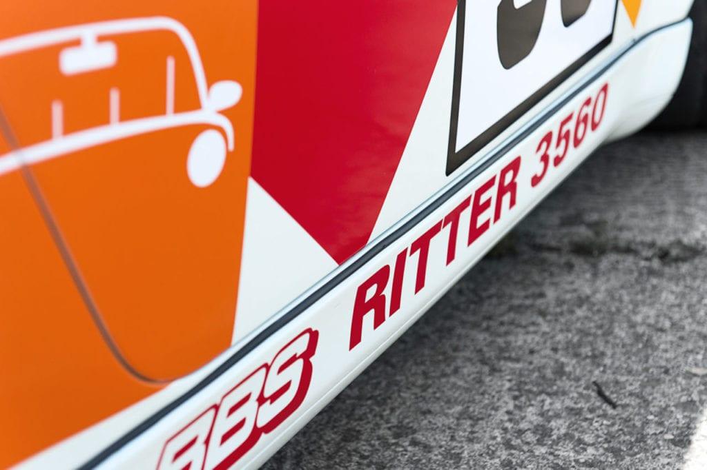 013_Porsche964_RSR_white_CarIconics_July2019__D4J2172-1280x852