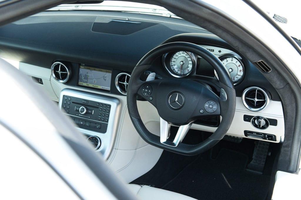 016_MercedesGullWing_CarIconics_July2019__D4J2268-1280x852