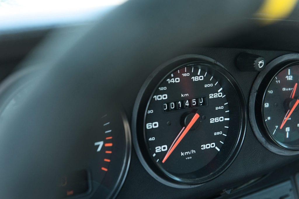016_Porsche964_RSR_white_CarIconics_July2019__D4J2178-1280x852