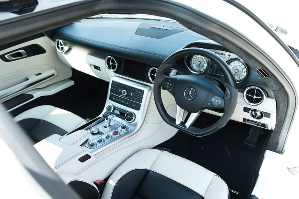 019_MercedesGullWing_CarIconics_July2019__D4J2271-1280x852