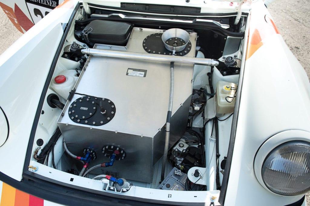 024_Porsche964_RSR_white_CarIconics_July2019__D4J2191-1280x852