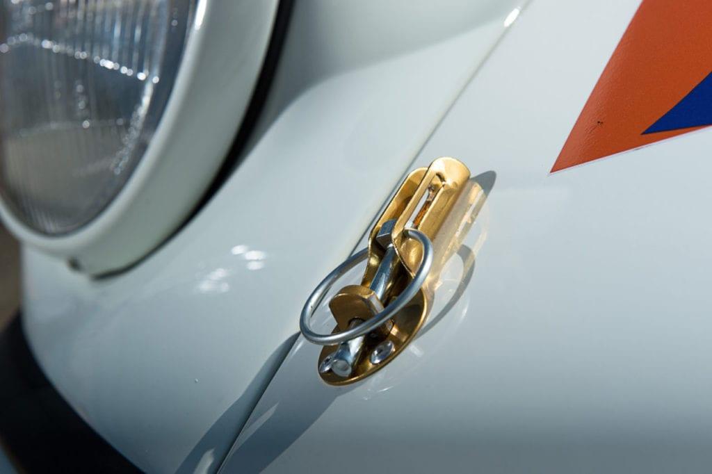 026_Porsche964_RSR_white_CarIconics_July2019__D4J2229-1280x852