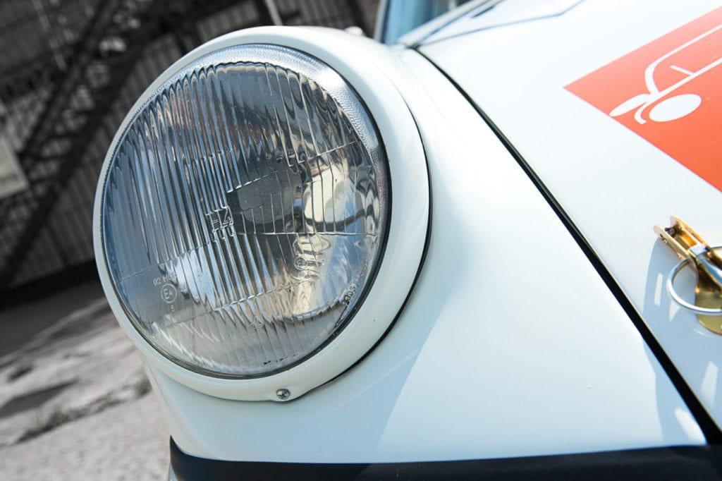 027_Porsche964_RSR_white_CarIconics_July2019__D4J2231-1280x852