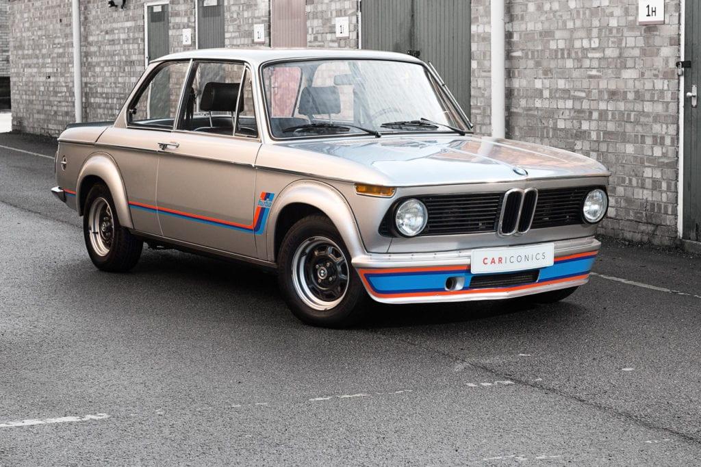 002_BMW2002Turbo_CarIconics_Jan2020_D4J5527