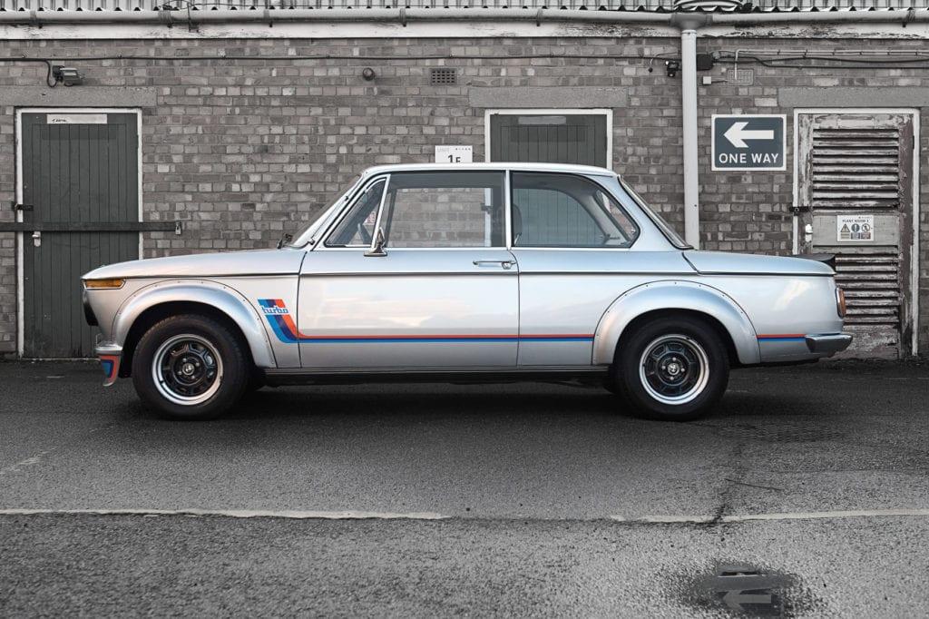 004_BMW2002Turbo_CarIconics_Jan2020_D4J5562