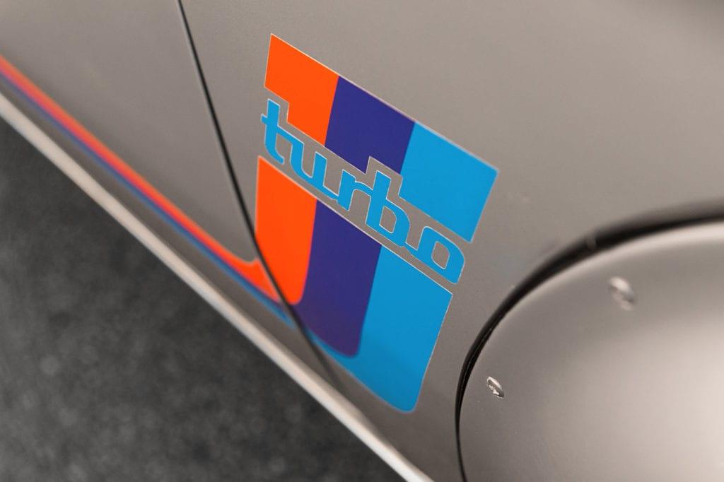 008_BMW2002Turbo_CarIconics_Jan2020_D4J5532