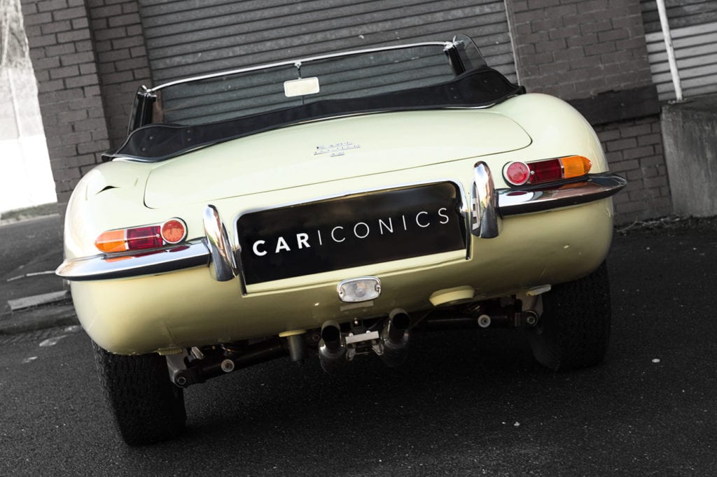 009_JaguarEtype_CarIconics_Jan2020_D4J5510