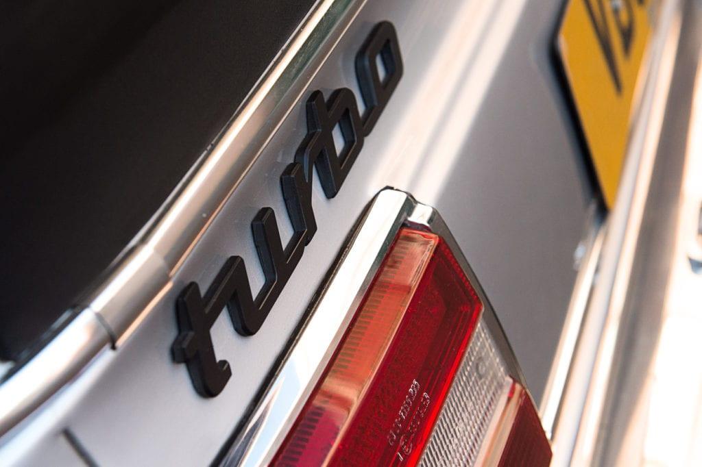 011_BMW2002Turbo_CarIconics_Jan2020_D4J5536