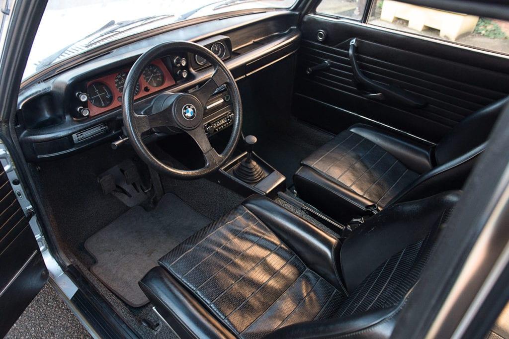 012_BMW2002Turbo_CarIconics_Jan2020_D4J5538