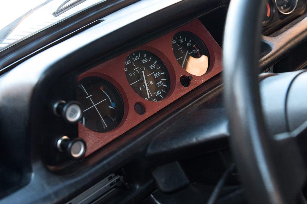 013_BMW2002Turbo_CarIconics_Jan2020_D4J5541