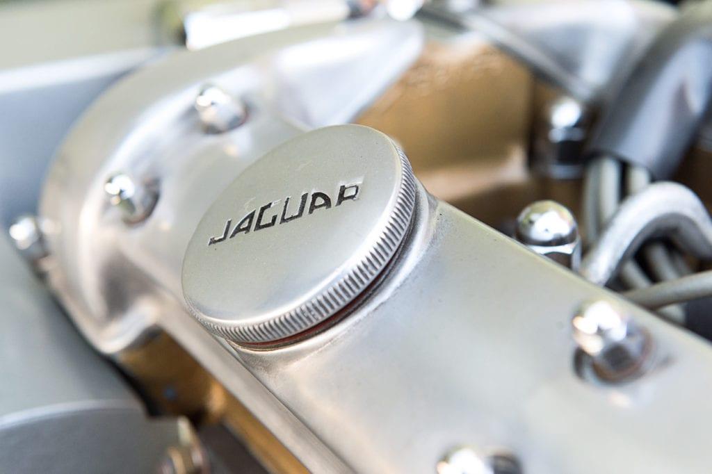 019_JaguarEtype_CarIconics_Jan2020_D4J5483