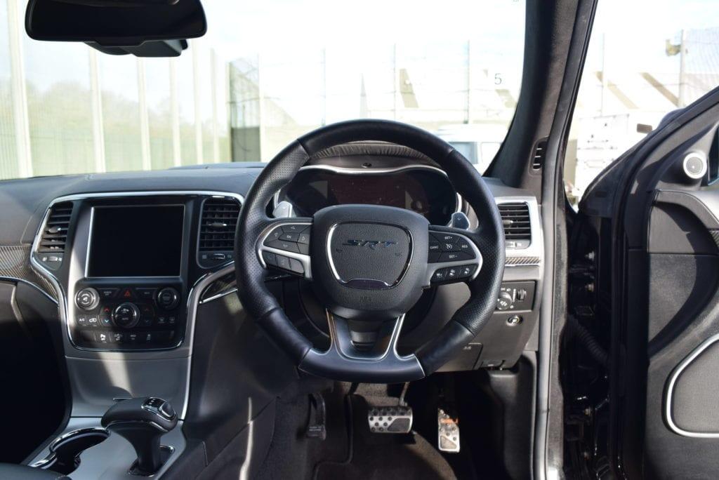 Jeep_SRT_Grandcherokee10
