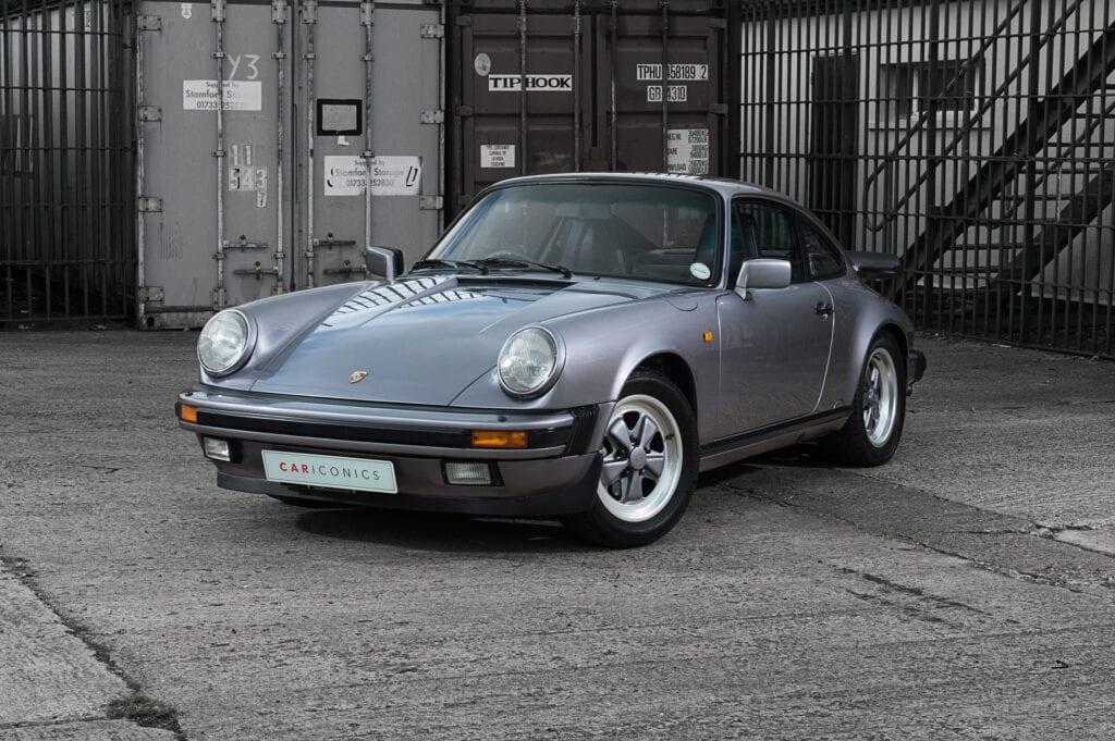 002_Porsche911_Anniversary_CarIconics_July2020_D4J7790