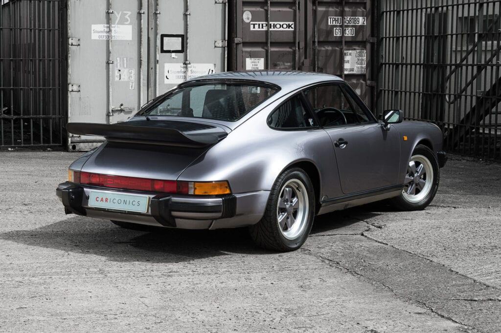 004_Porsche911_Anniversary_CarIconics_July2020_D4J7759