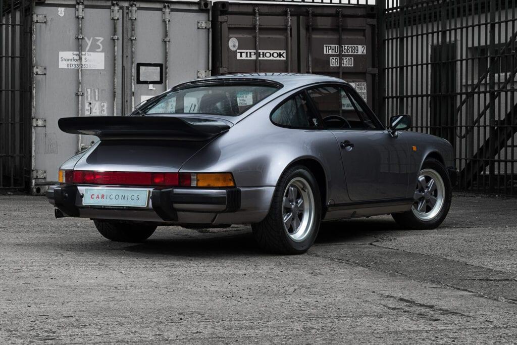 005_Porsche911_Anniversary_CarIconics_July2020_D4J7762