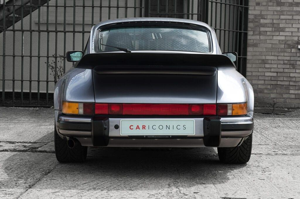 008_Porsche911_Anniversary_CarIconics_July2020_D4J7768
