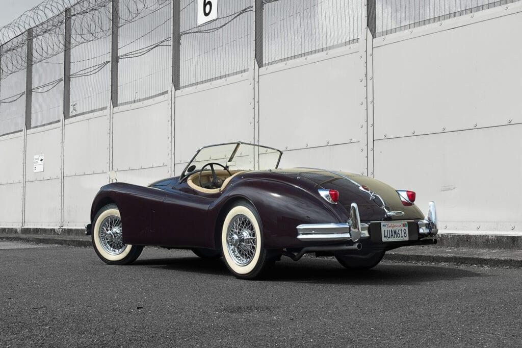 003_JaguarXK140_CarIconics_July2020_D4J7733LR