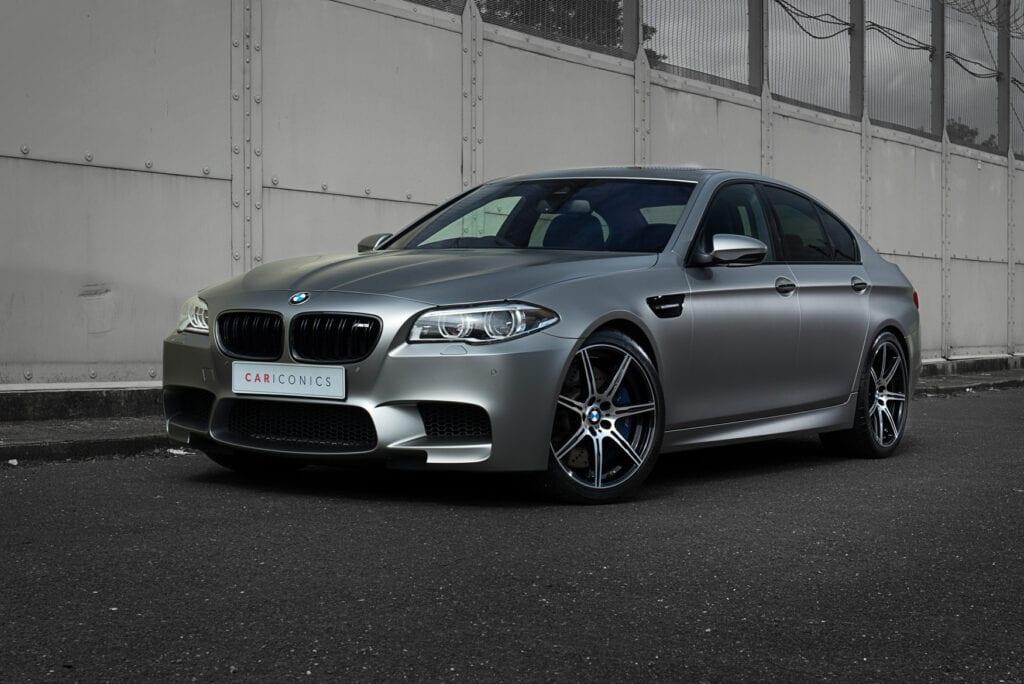 01_BMWM5_CarIconics_Sept2020_D8J3473LR