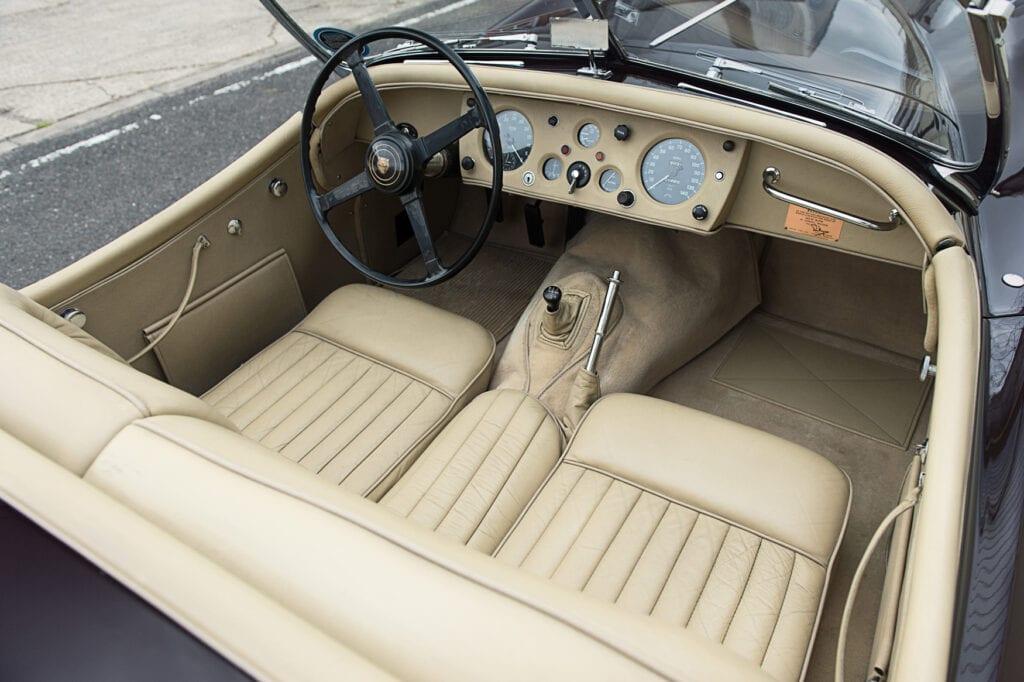022_JaguarXK140_CarIconics_July2020_D4J7717LR