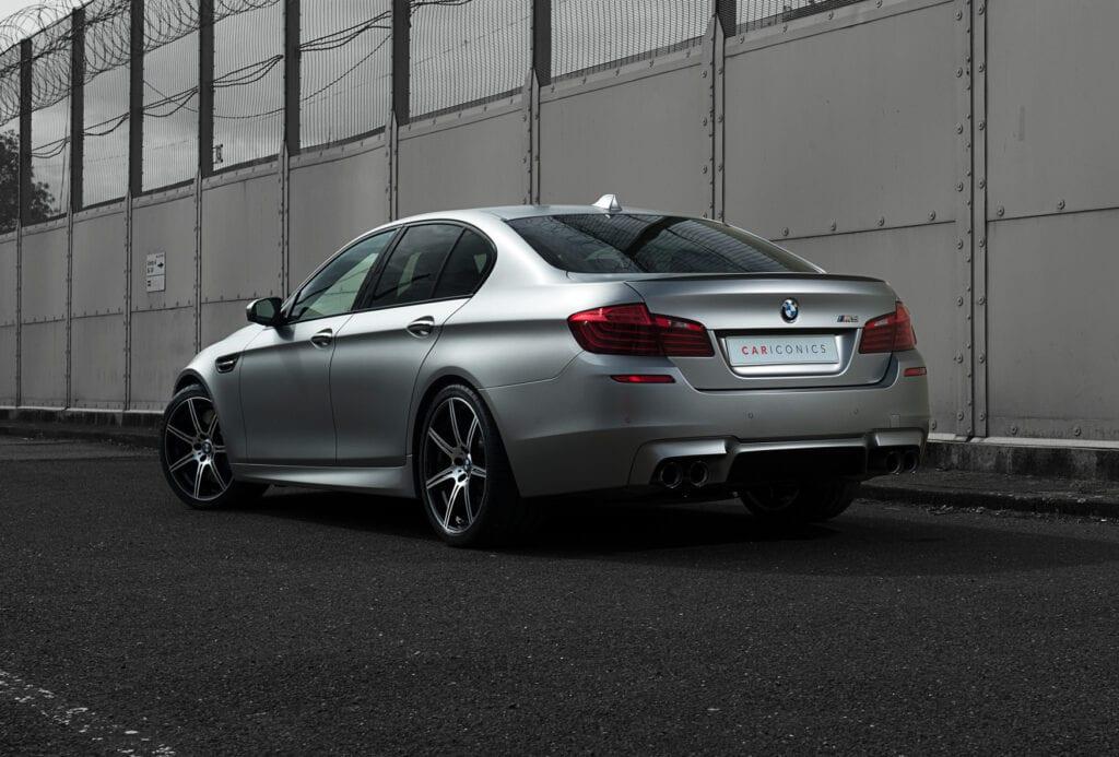 06_BMWM5_CarIconics_Sept2020_D8J3492LR
