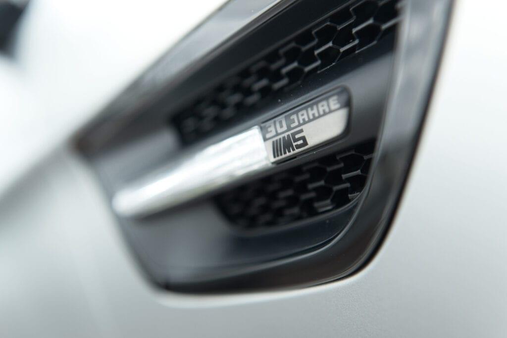 12_BMWM5_CarIconics_Sept2020_D8J3441LR