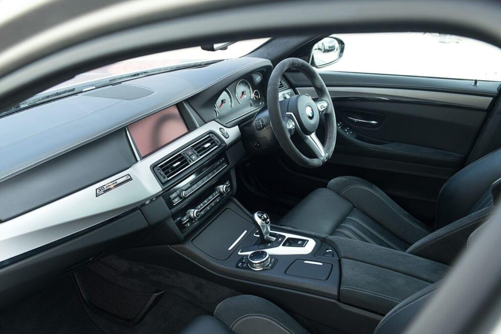 23_BMWM5_CarIconics_Sept2020_D8J3457LR