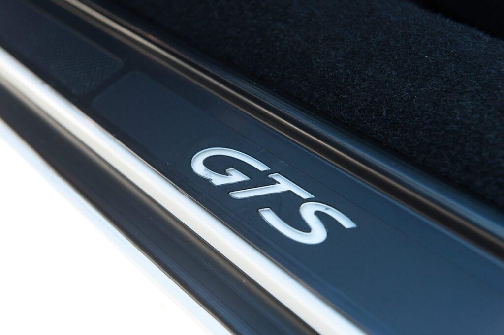 009_Porsche928GTS_CarIconics_Oct20_D4J0022