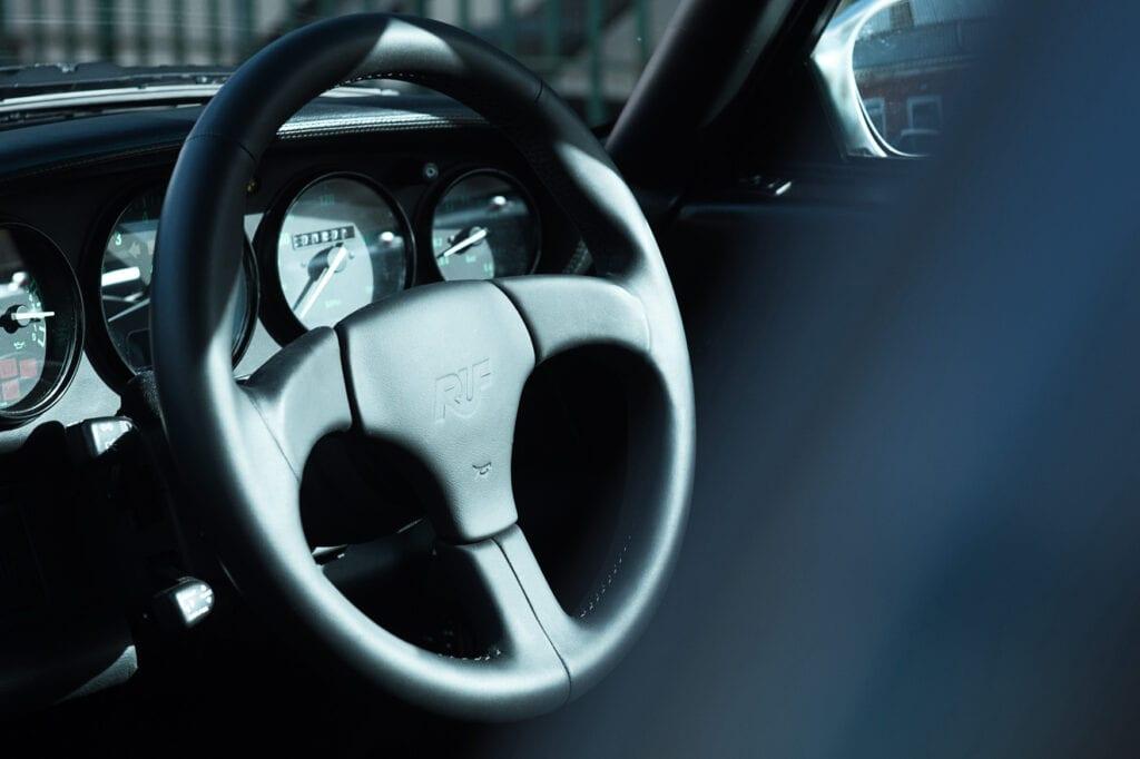 029_Porsche993RUF_CarIconics_Oct20_D4J9729