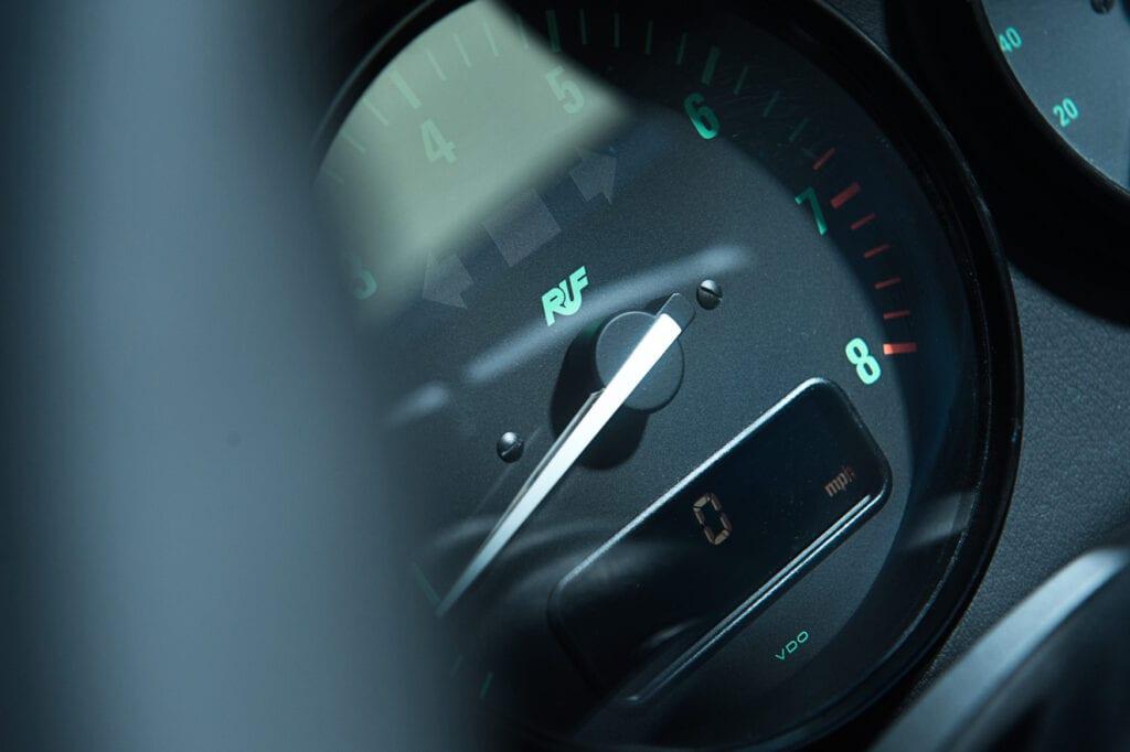 033_Porsche993RUF_CarIconics_Oct20_D4J9739