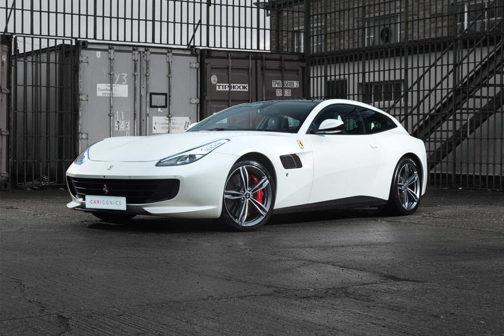 001_FerrariGTC4Lusso_Dec2020CarIconics_D4J0781